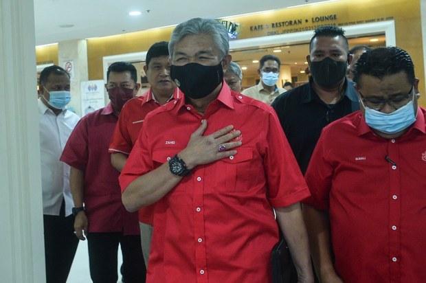 UMNO 'Tukar' Setiausaha Agung BN Sehari Sebelum Tentukan Hubungan dengan Bersatu